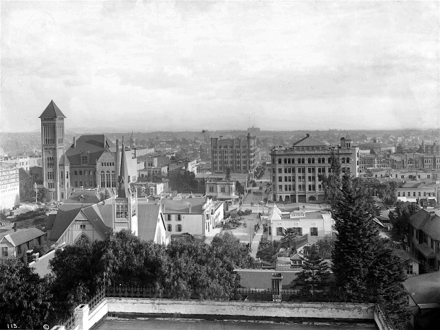 Panoramic view of downtown Los Angeles from Bunker Hill, circa 1894