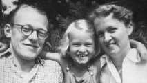 1. Bodil Holsting: Min far Mogens Møller og barndom 1943-1955 i Kosmos Feriekoloni Klint.  Del 1/ 4