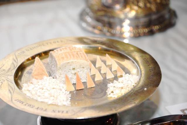 Sfânta Proscomidie – Noțiuni liturgice la Duminica Tuturor Sfinților