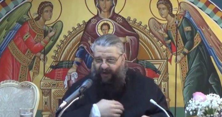 Părintele nepomenitor Nikolaos Manolis a înviat și a cântat Psalmi în timpul pregătirii pentru înmormântare