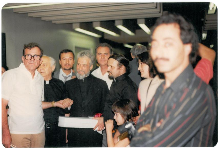 17-parintele-gheorghe-calciu-marturisitorii-ro-in-sua-jfk-nyc-9-august-1985-grigore-caraza