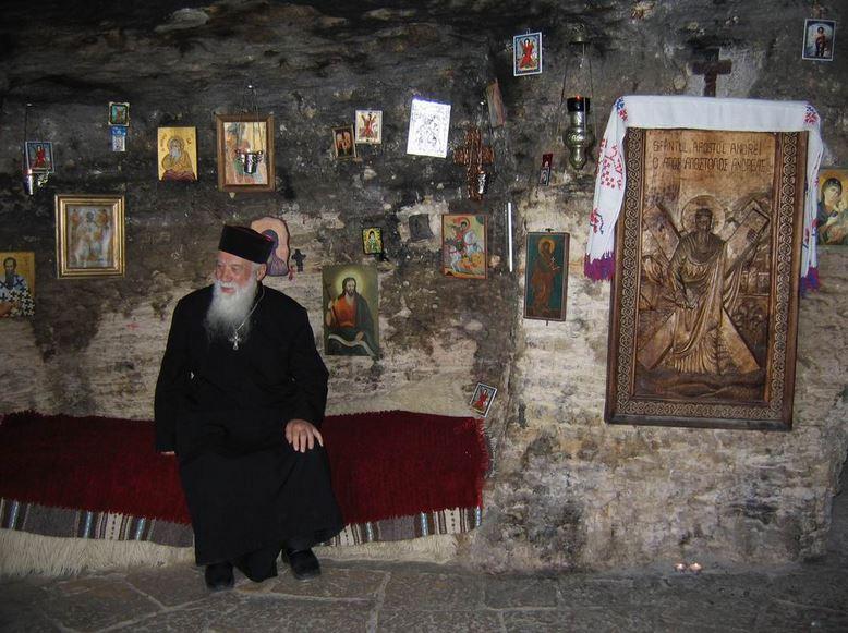 38-parintele-gheorghe-calciu-marturisitorii-ro-la-sfantul-andrei