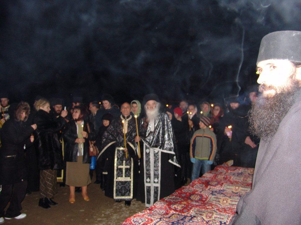 55-parintele-gheorghe-calciu-marturisitorii-ro-asteptat-la-petru-voda-de-parintele-justin-2-decembrie-2006