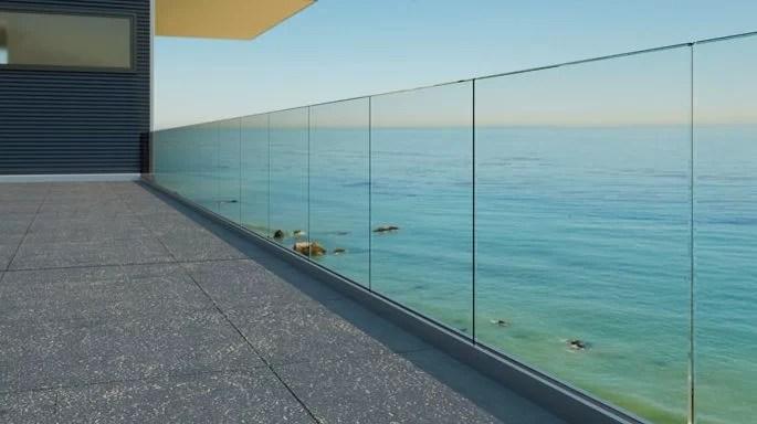 Parapetto in vetro | Vetreria Artigiana Martuzzi 2