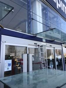 Vetrine e coperture in vetro a Bologna e provincia