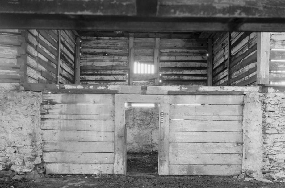 convict keep interior Lee County AL