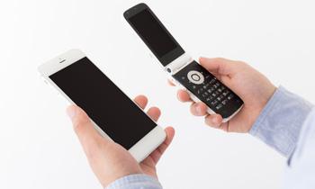 iPhoneとガラケーの比較