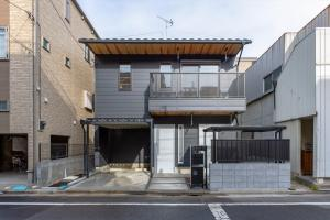 東京下町の町屋風の家外観正面