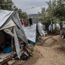 Corona und Migration: Nicht alle können einfach zuhause bleiben!