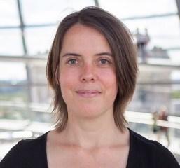Christine Buchholz ist Mitglied des Parteivorstands der LINKEN und vertritt diese im Verteidigungsausschuss des Bundestags.