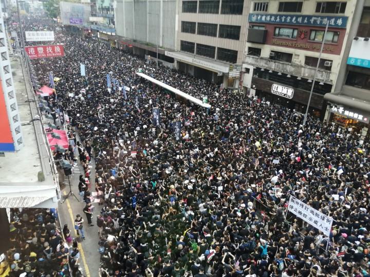 Hong Kong demo street Image Frederick Li