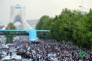 Demonstrators on the Azadi Square, June 15. Photo by Hamed Saber.