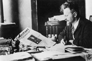 leon trotsky reading militant