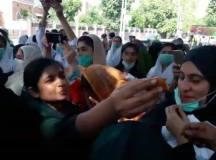 ملتان: نشتر ہسپتال میں ینگ نرسز ایسوسی ایشن کا فتح مند احتجاج