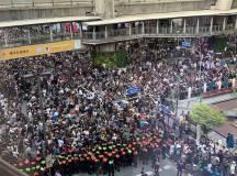 """تھائی لینڈ: """"عوام جاگ اٹھے ہیں""""؛ احتجاجوں سے حکومت پسپا"""