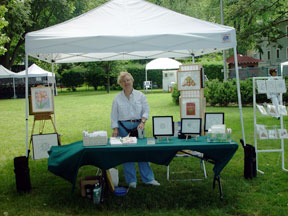 2004-06 Northport Art in the Park - Notice there are no walls to hang Art!