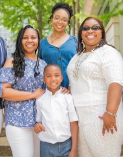 Clockwise from top: Sierra Wanzer, Danitza Simpson (deceased), Wanzer's son, Tyler Mac, and Karla Simpson in a 2019 family photo. Danitza Simpson died of COVID-19 in October 2020. Photo courtesy of John Fadoju, FadrotexImages.