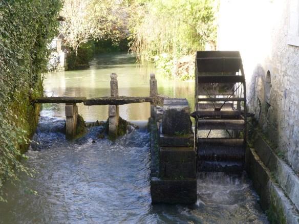 Working water wheel at Castello Sassoldo