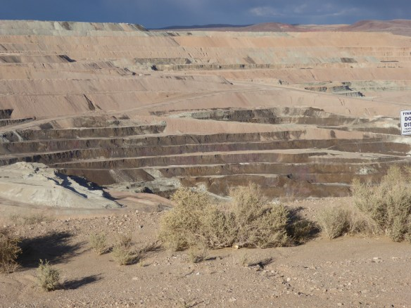 Giant pit! (2 miles long, 1 3/4 miles wide and 755 feet deep)