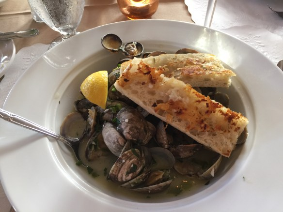 Mary's clams in a white wine sauce