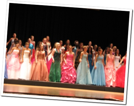 Sparkle, Glitter & Hairspray – Pageant Time Small Town America