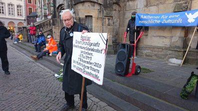 Aachener für menschliche Zukunft - Trauermarsch um unser Grundgesetz