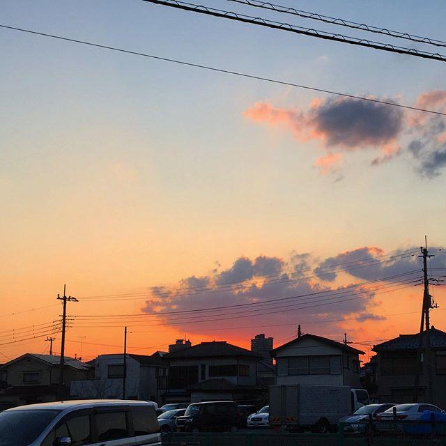 段々と夕焼けの方向が移動して来ている 。