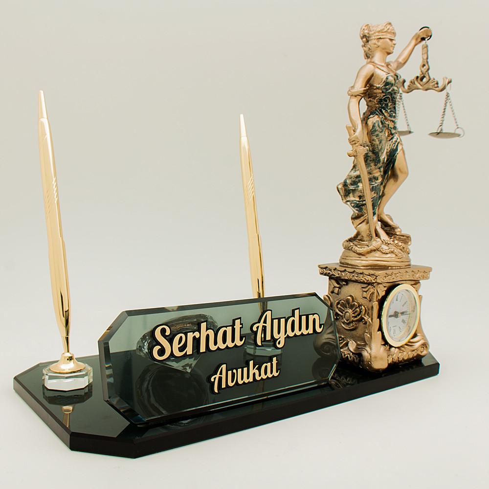 avukat themis heykelli masa isimliği