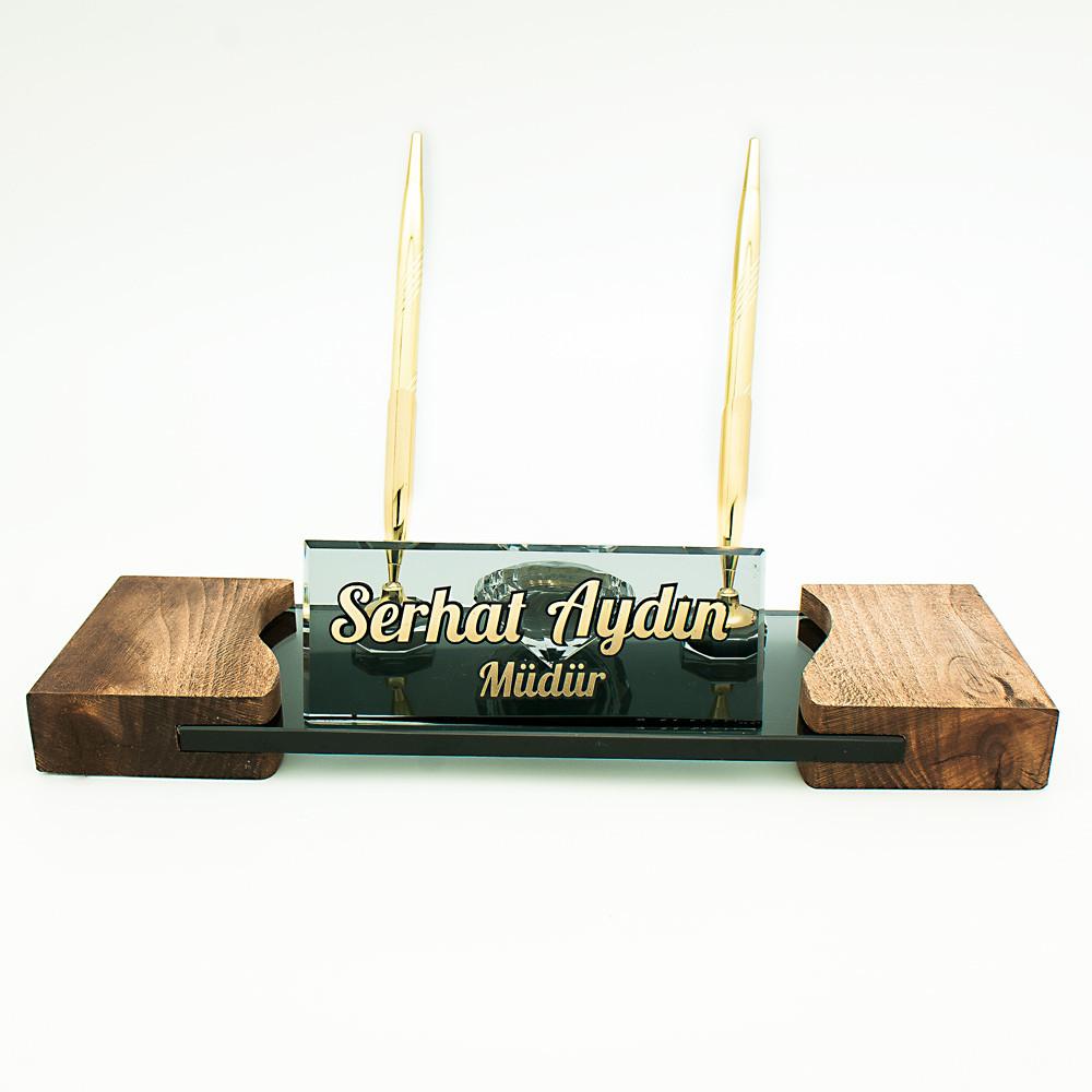 kristal masa isimliği, ahşap masa isimliği, kabartma yazılı masa isimliği