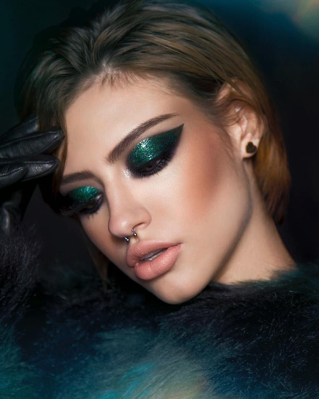New Year 2020 Trends 3 Makeup Looks To Try This New Year S Eve