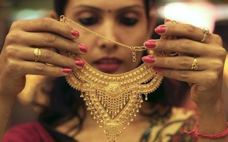 buying gold jewelery