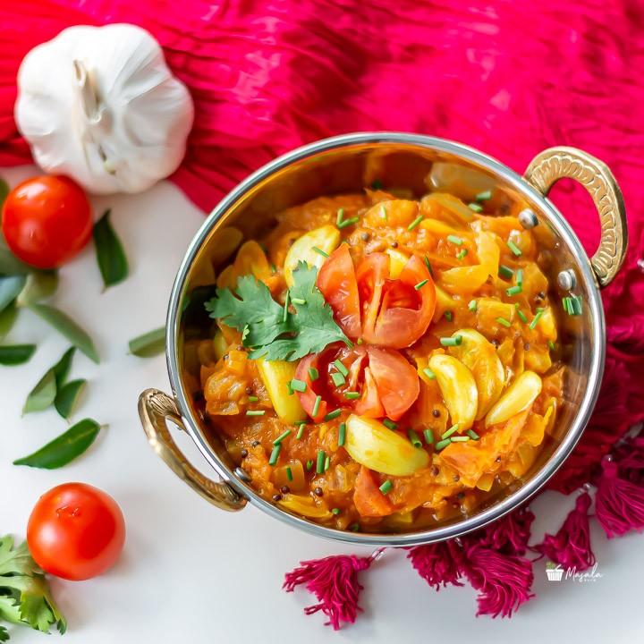 Garlicky Tomato Onion Curry- top angle view of thakkali thokku