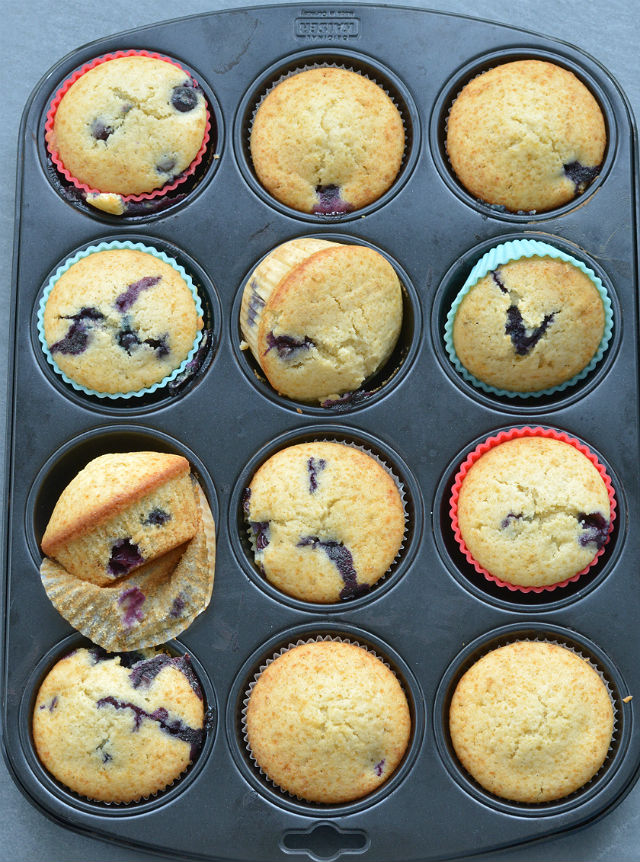 Baked cupcakes in try