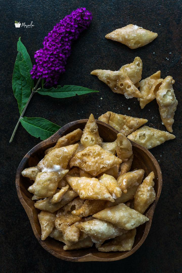 Shakkar Para Recipe