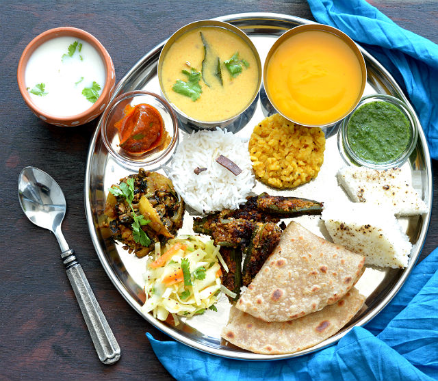 Traditional Gujarati Food Recipes in Gujarati Summer Thali