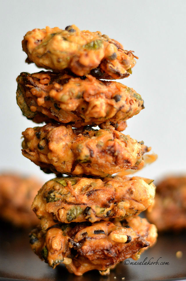 Sprouted moong pakoda recipe or sprouted moong dal fritters