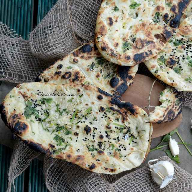 Homemade Garlic Naan Bread Without Yeast on Tawa