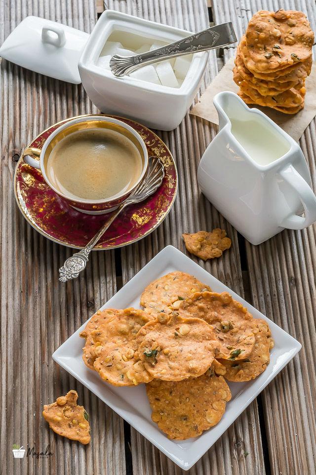 Thattai Vadai, South Indian Thattai Recipe