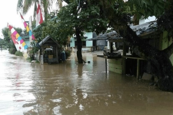 Sungai Saluampak di Sabbang Lutra Meluap, Ratusan Rumah Warga TerendamBanjir