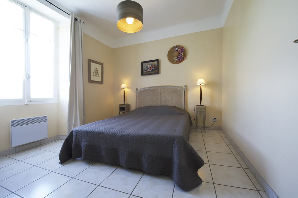 La chambre parentale au Lavande au Mas de la Baillyde, gîtes de charme en Cévennes