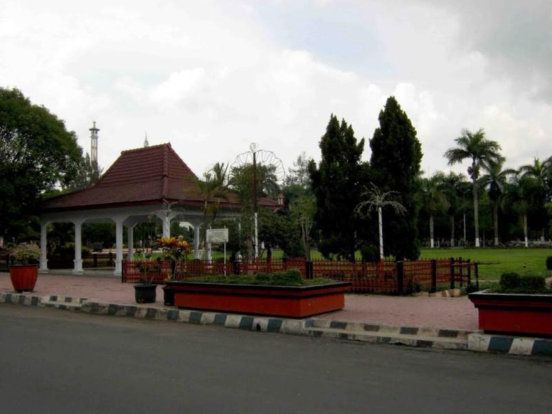 Jasa dan Tarif Ekspedisi Bondowoso Murah