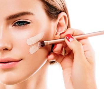 Cómo Lograr que la Base de Maquillaje Dure Todo el Día