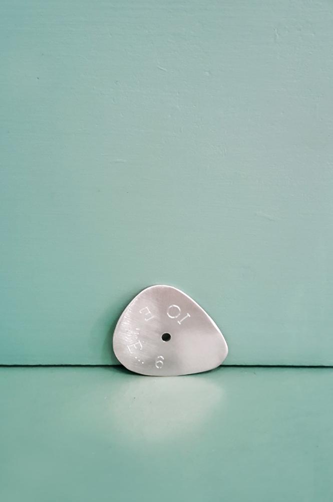 Plettro in argento spazzolato personalizzato con il proprio testo _ maschio gioielli milano