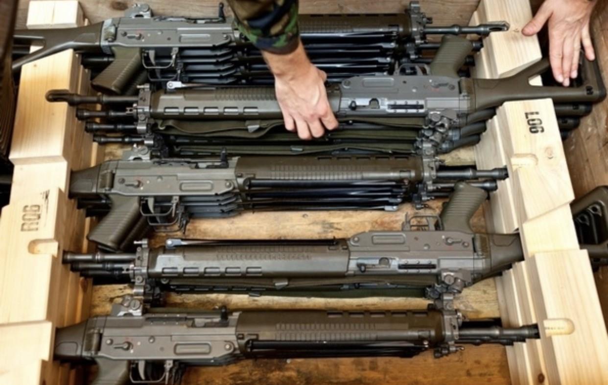 سويسرا تعلّق تصدير الأسلحة الى لبنان