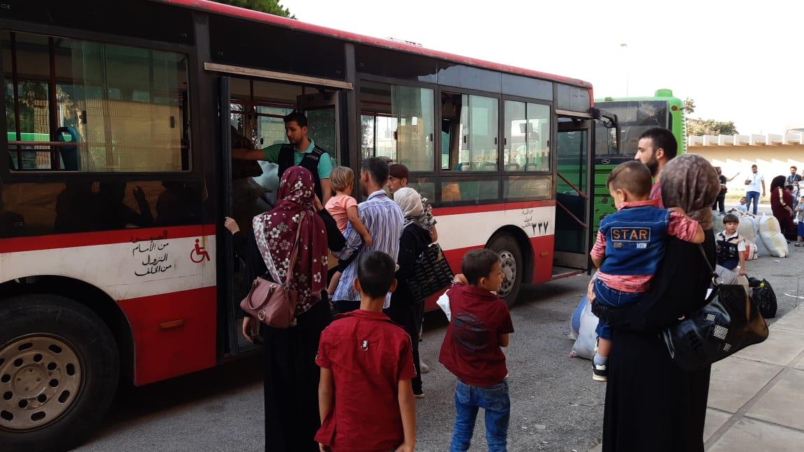 820 نازحا عادوا طوعيا الى سوريا