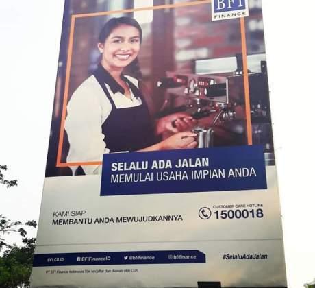 Banner Promosi Iklan BFI Finance - MASDULL NET - Pinjaman Kredit Jaminan BPKB Mobil dan BPKB Motor Hubungi 081315627122