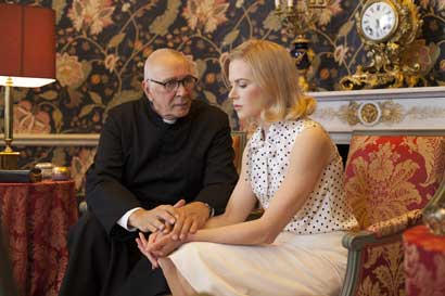 "Frank Langella e Nicole Kidman in ""Grace of Monaco"" - Photo: courtesy of Lucky Red"