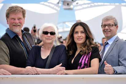 Roger Allers, Joan C. Gratz, Salma Hayek-Pinault and Gaetan Brizzi - Photocall - A Tribute to Animated Films (Hommage au cinéma d'Animation) © AFP / B. Langloi