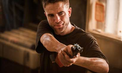 "Robert Pattinson in una scena di ""The Rover"" - Photo: courtesy of FDC 2014"