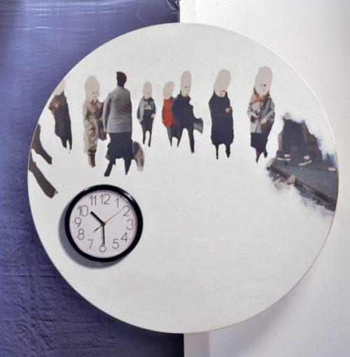 L'ora italiana, 1985 installazione per 20 elementi (dettaglio) di diametro cm 100 cad tecnica mista con orologi montati su legno Collezione Intesa Sanpaolo